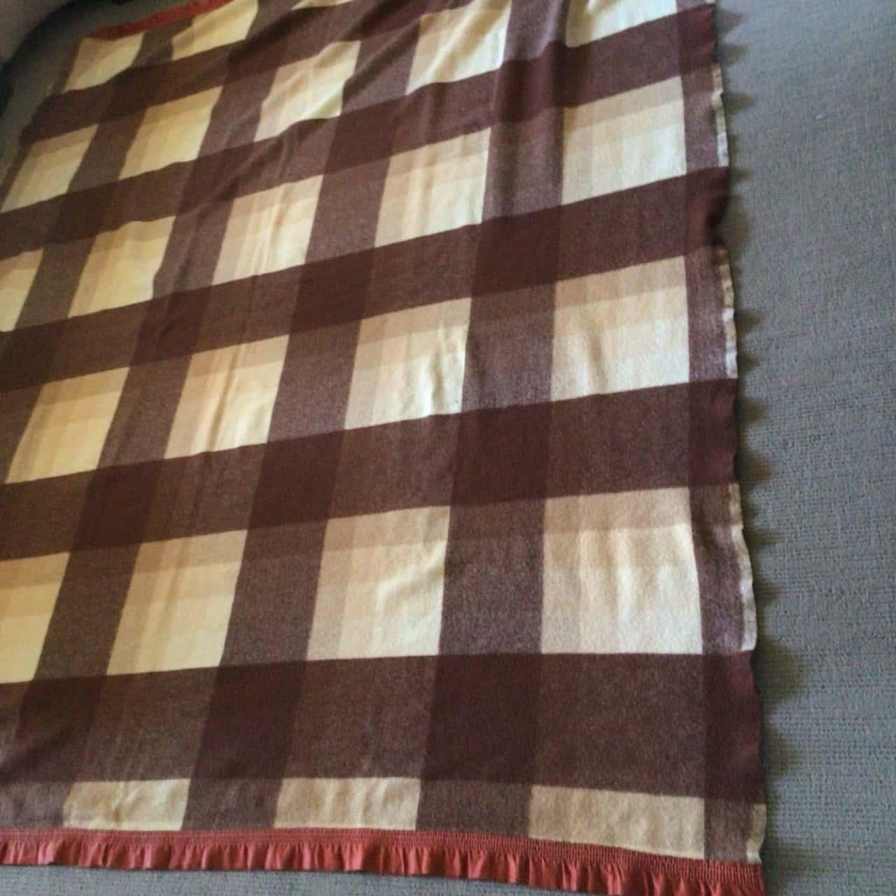 Unbranded Vintage Pure Wool Blanket 186 cm x 220 cm