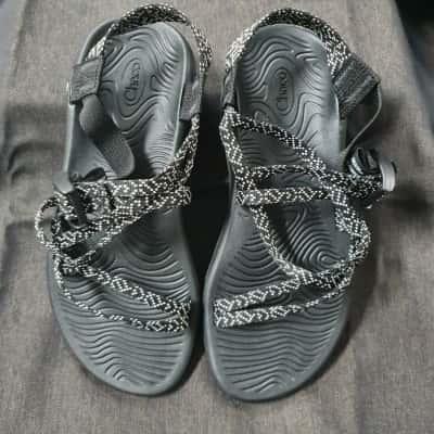 Chaco Womens  Size 8 Black sandals