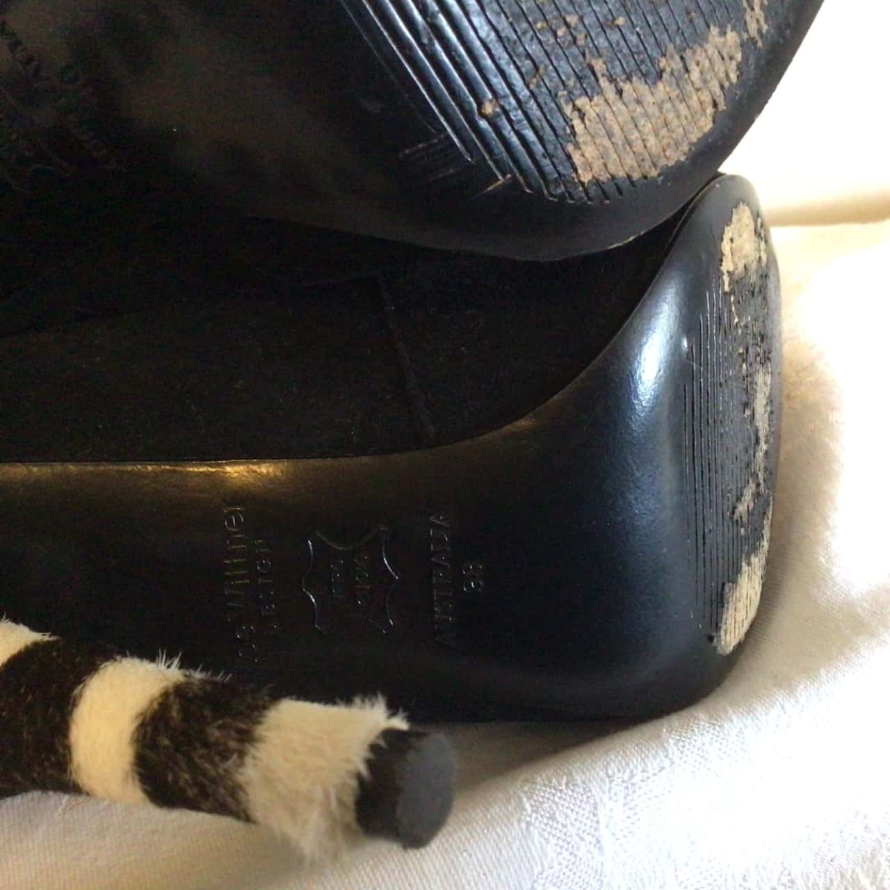 Boxed Beautiful Womens Zoe Wittner Animal Print Heel / Black Suede Ankle Strap Size 38