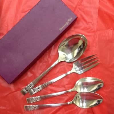 Oneida Community Plate Serving Ware set of 4