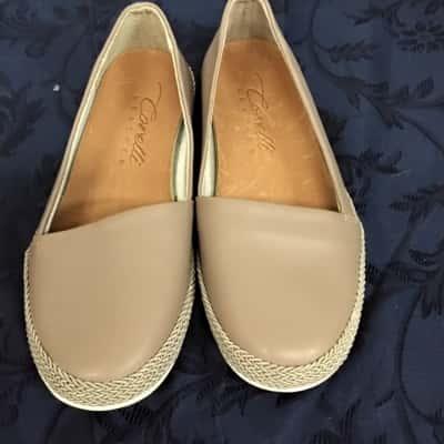 Womens  Size 38 Beige Corelli Shoes