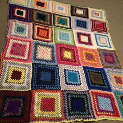 LARGE HAND MADE CROTCHED QUILT VERY COLOURFUL 200 cm x 165 cm