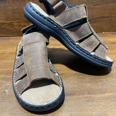 BNWT Boys CLARKS LEATHER SANDAL   Size 13  Brown RRP $79.95