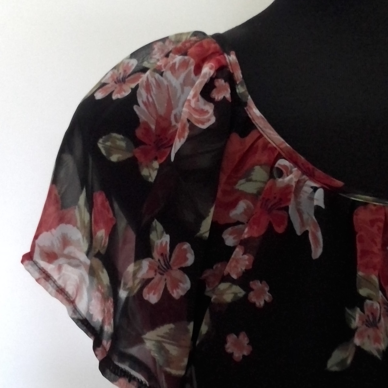 Womens TOKITO PRETTY SUMMER  FLORAL DRESS Size 10 Cocktail Dress/Mini Dress/Party Dress Black /Floral