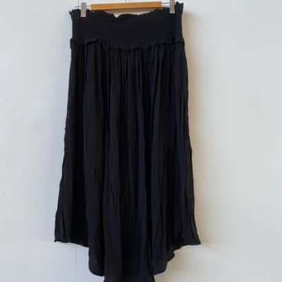 Womens  Size 16 Asymmetrical relaxed fit Black skirt