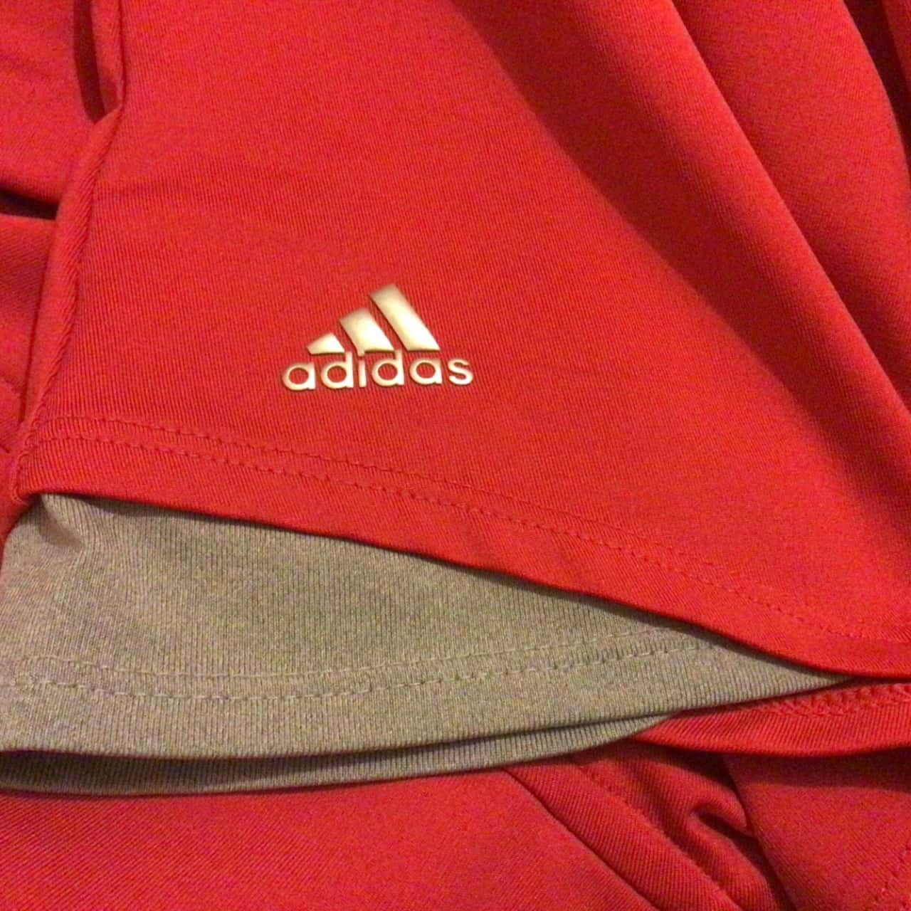 Womens  ADIDAS T SHIRT Size 12/14 Grey/Red