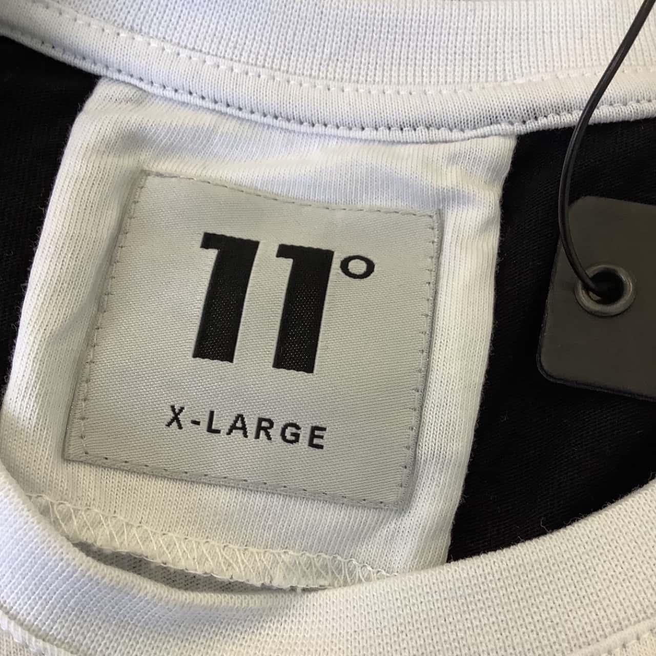 11 Degrees Mens  Size XL Black /White Cotton Tee BNWT