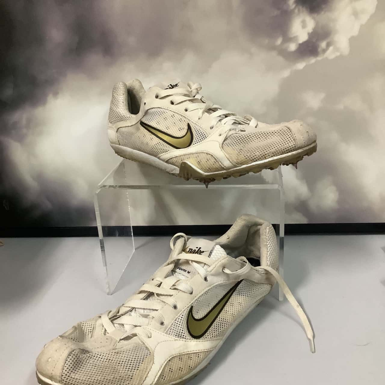 Nike Zoom  track and field shoes Womens 8US white mesh and gold good used condition