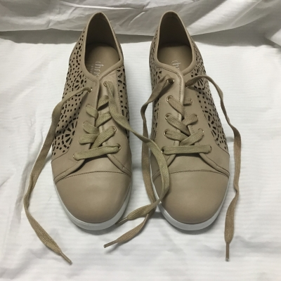 Chrissie Collection, Taupe lace up shoe, Size 42