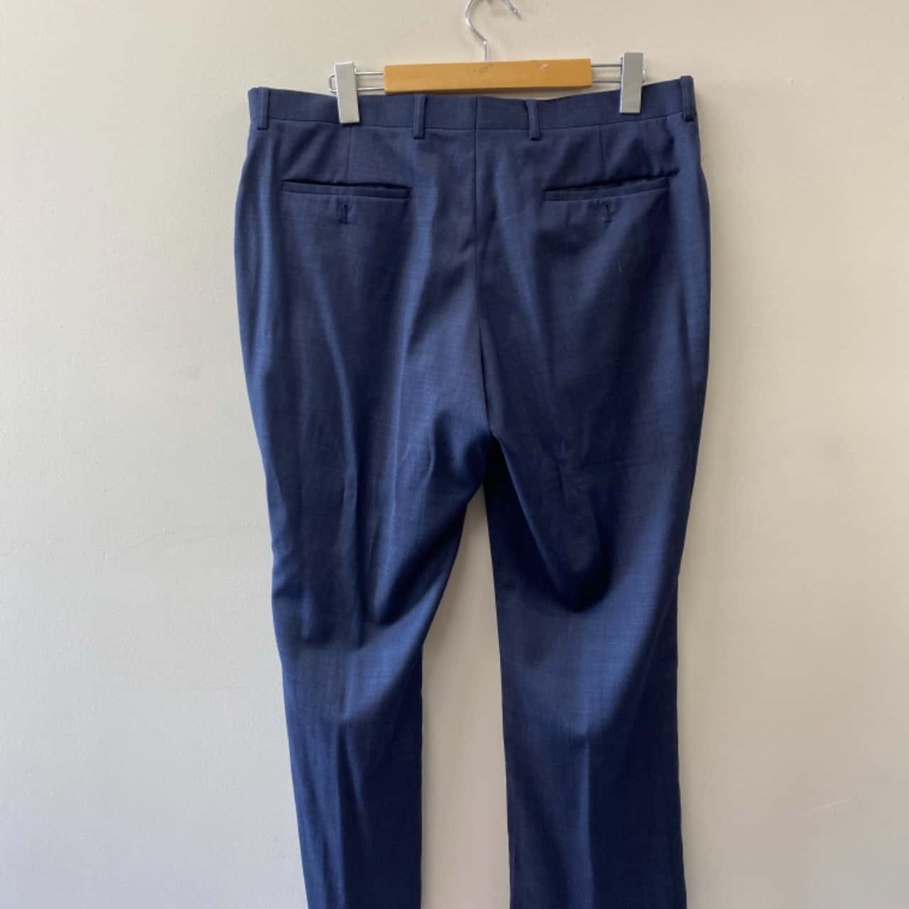 ** REDUCED ** Oxford Mens Size 116 R/98 R Navy Blue