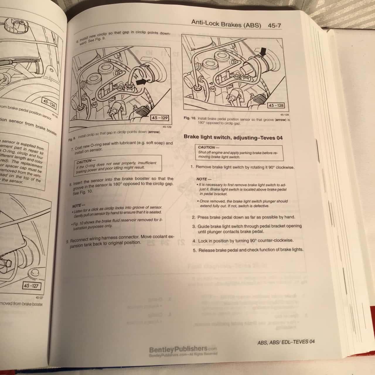 Volkswagen, Jetta, Golf, GTi & Cabrio Service Manual