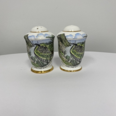 Vintage ROYAL STAFFORD Salt & Pepper Shakers YEPPOON QLD Souvenir Collectibles