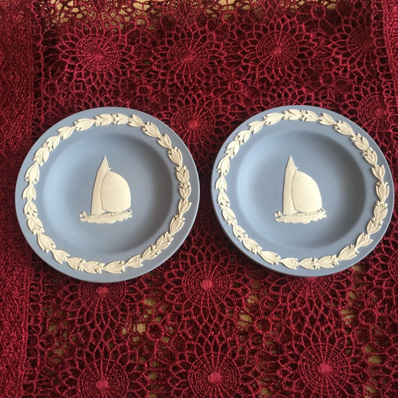 Wedgwood America's Cup Challenge Round Blue 2 x Trays 14094Z Made in England