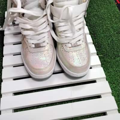 Nike Womens  Size 5 Silver/White Sneakers