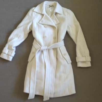 Womens BEAUTIFUL  BROWN SUGAR WINTER COAT MID LENGTH  Size 12 Cream