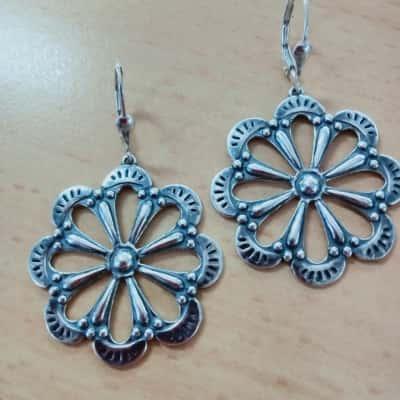 Gorgeous Flower design sterling silver earrings 4cm wide