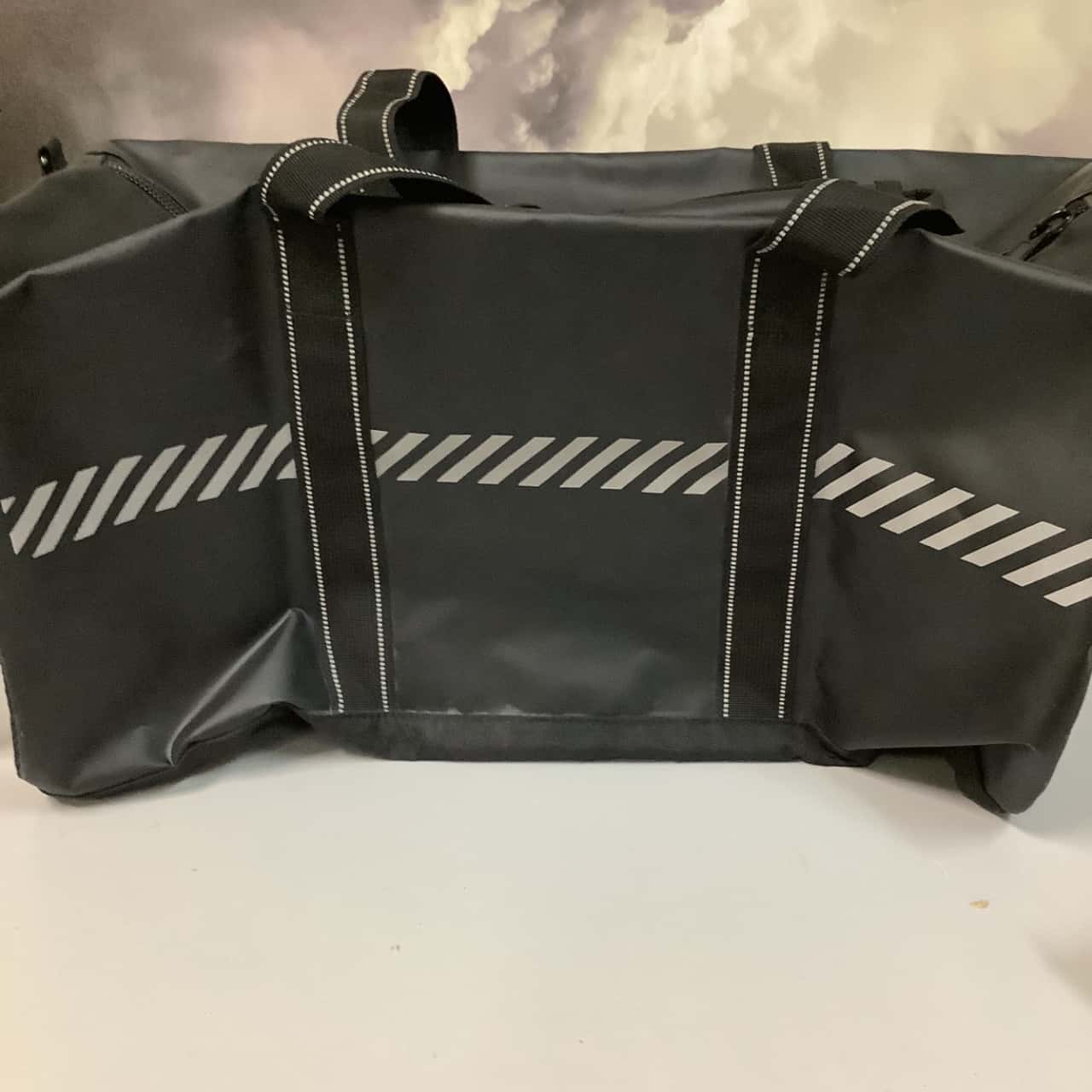CULTURE KINGS Elite Gym Duffle black 3M NEW WITH TAGS