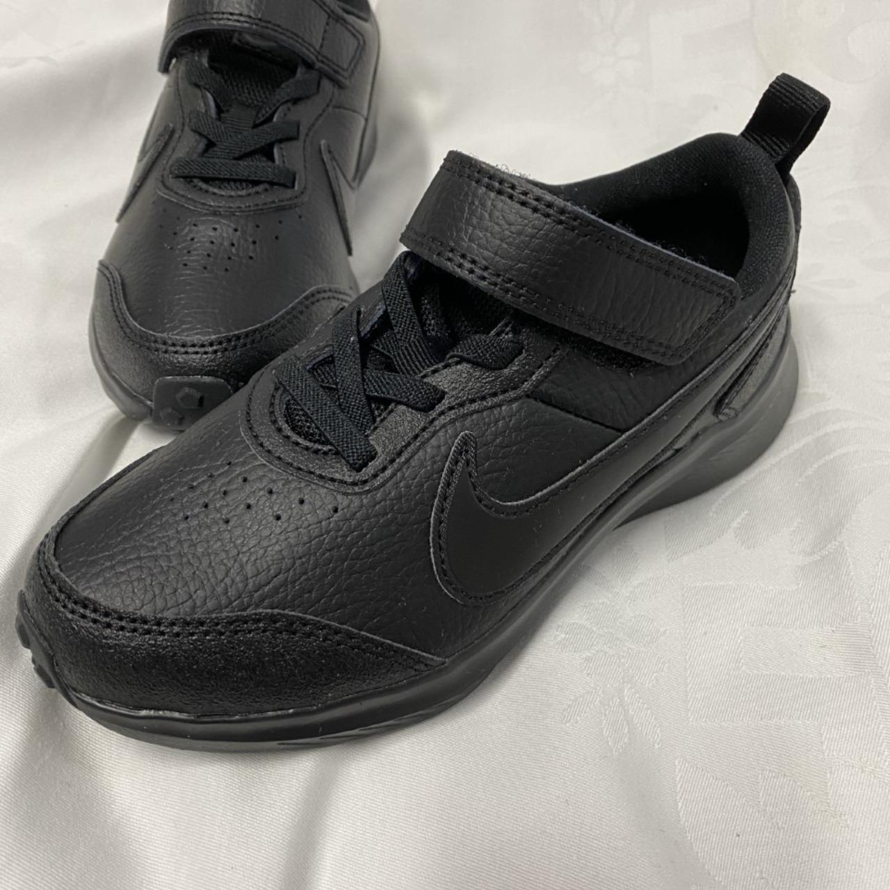 Nike Kids Black size 12