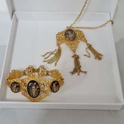 Vintage Necklace and Bracelet Japanese Geisha