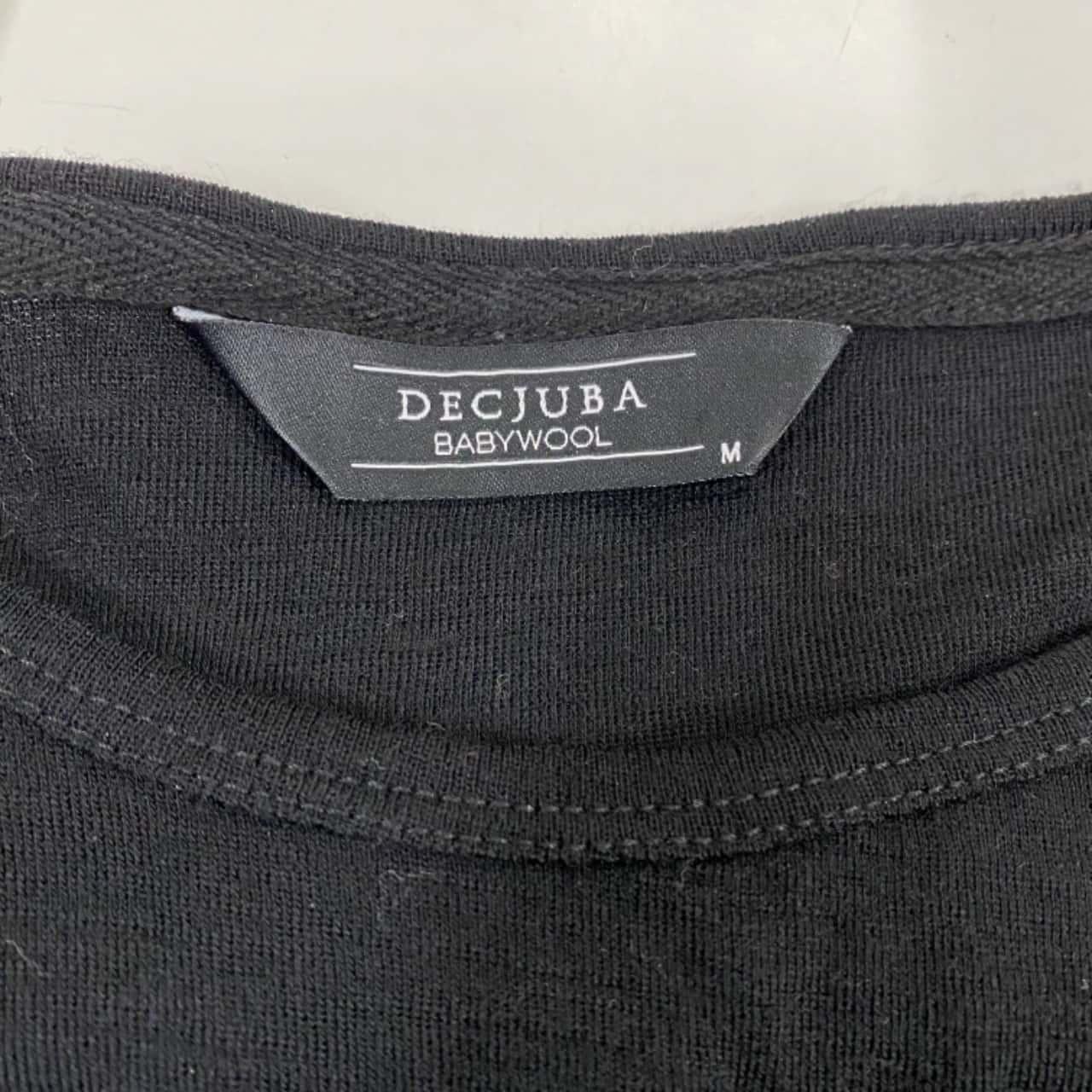 Decjuba Womens  Size M Long Sleeved Top  Black