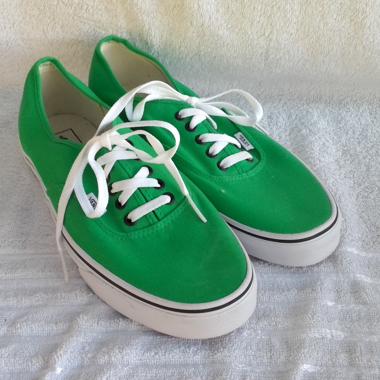 NEW WITHOUT TAGS VANS  Mens  Size 11 White/Green lace up