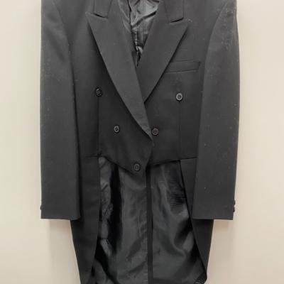 Mens OPAL BLACK TUXEDO (TAILS) DINNER JACKET Size 9 ( on garment label)