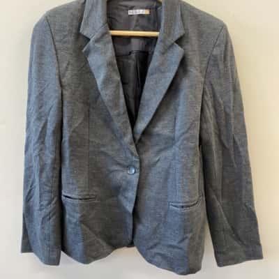Serra Women's Size 10 Grey Coat