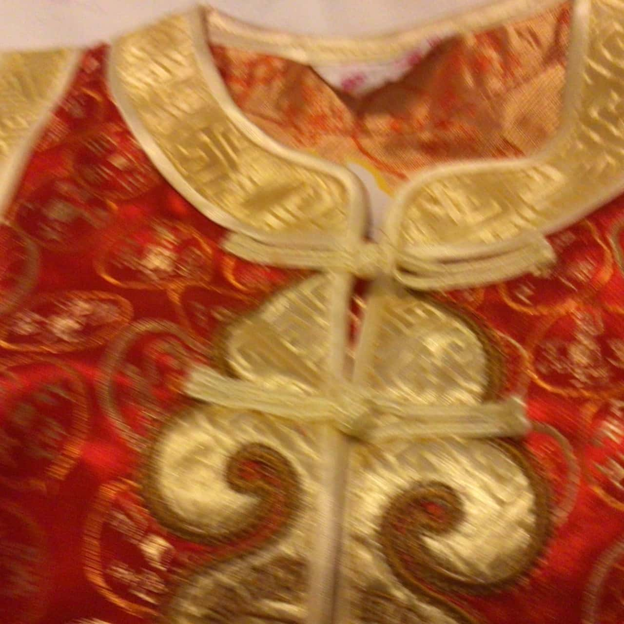 BNWT Kids  Size S Gold/Red Little Emperor Asian Style Top and Pants RRP $39.95