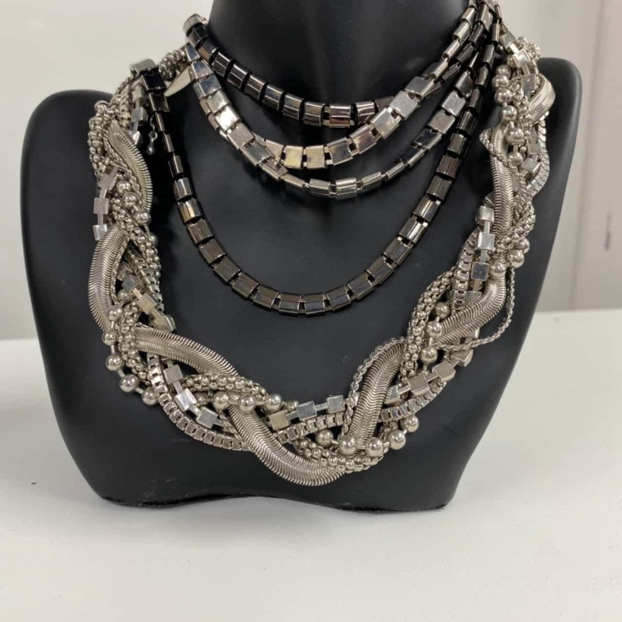 Womens Necklaces/Earrings Silver