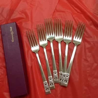 Oneida Community Plate Dinner Forks set of 6