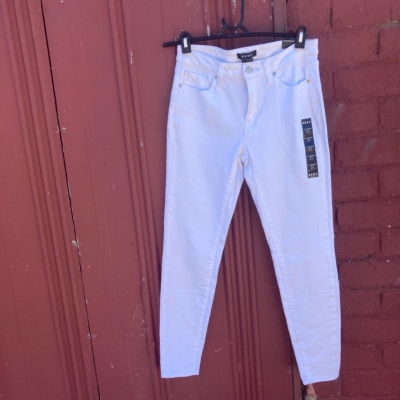 DKNY Women's Skinny Mid-Rise White Jeans New With Tags Size 27/4