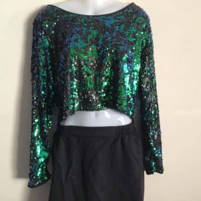 NWOT Sass Womens  Size 12 Long Sleeve  Black /Green/Navy Blue Seqined Cropped Top