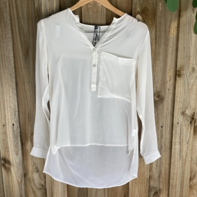 Women' s M.A. Dainty Collection Silk Blouse Size 8