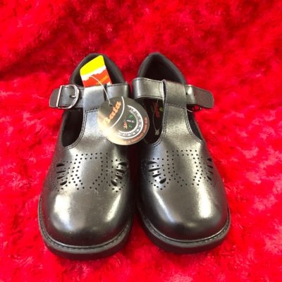 The Original Bata Scouts Kids  Size 13 Shoes Black