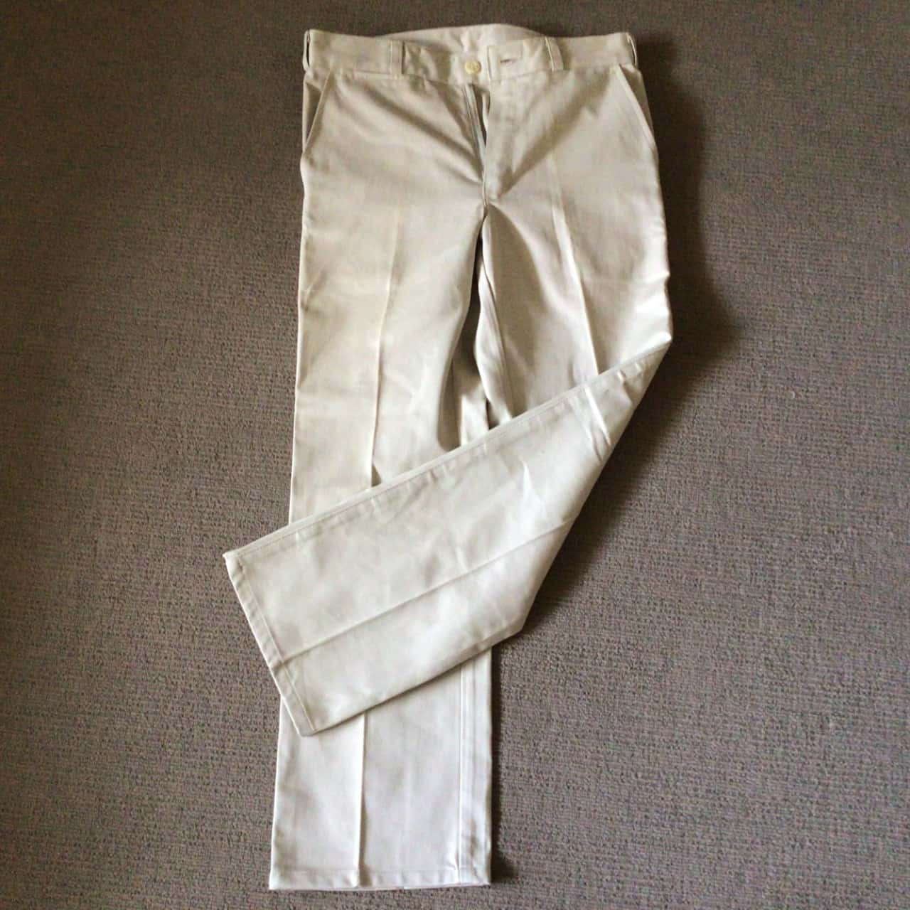 Mens R.M. WILLIAMS PANTS /JEANS  Size 30 Cream/ Fawn ( see description for actual sizes)