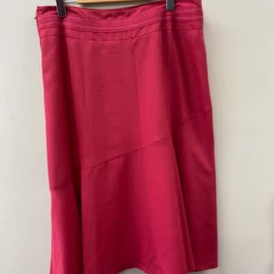 Womens Wombat Size 14 A-Line Red Skirt