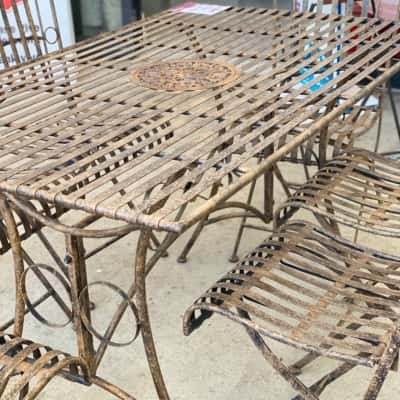 Outdoor rustic 7 piece table setting