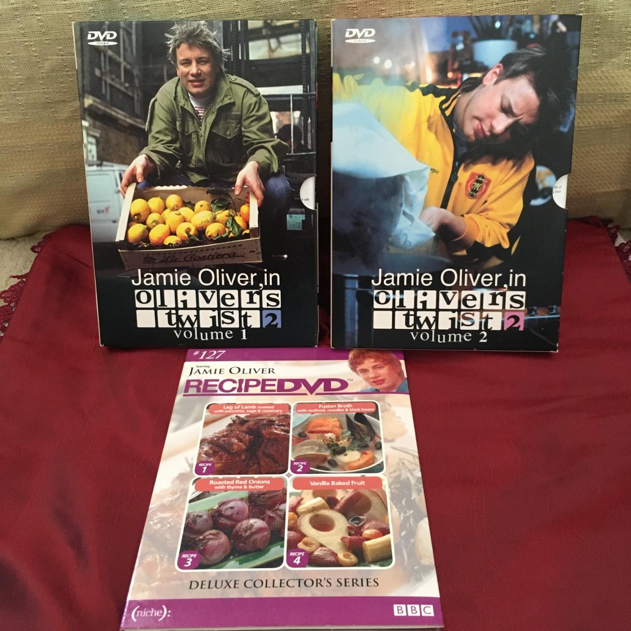 Jamie Oliver in Oliver's Twist 2 - DVD Disc Set (Vol 1 & 2) + Recipe DVD Disc, Region Code : 4