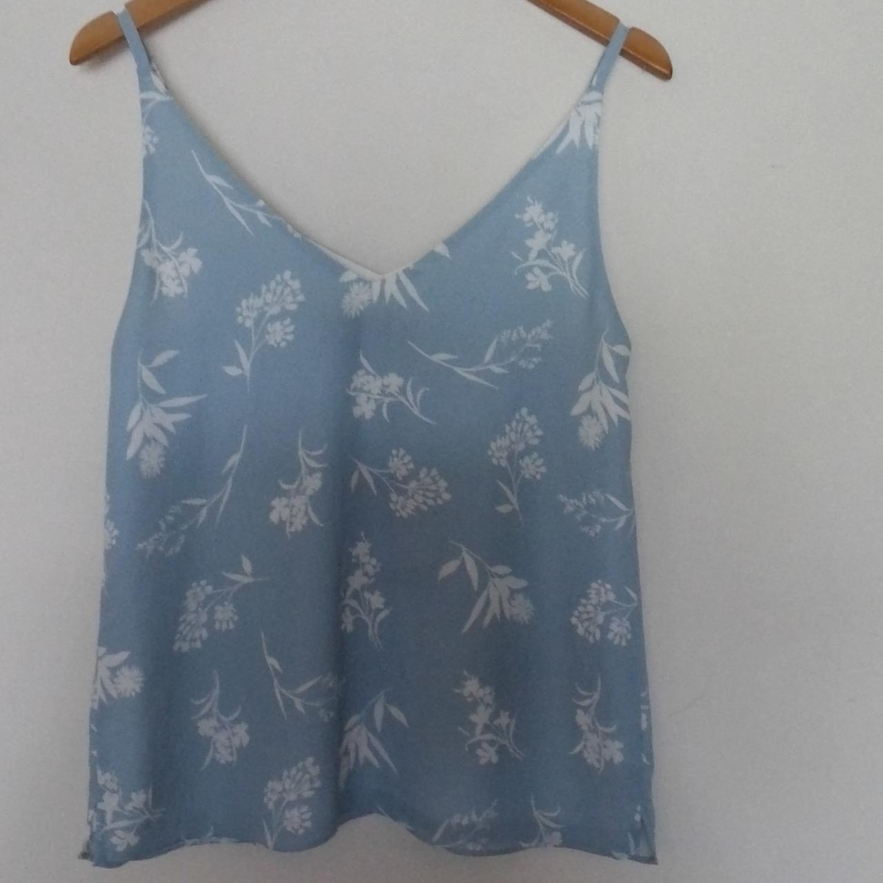 BNWT DECJUBA Womens  Size 8 Floral Tops/Cami  White/Blue