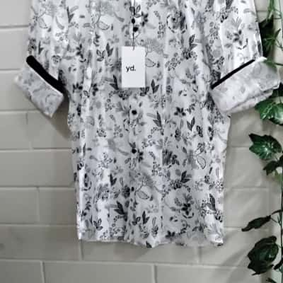 Yd. Mens  Size M Long Sleeve Black /Floral/White Shirt
