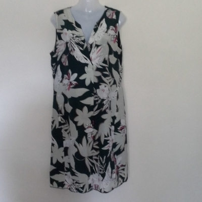 Womens  DAVID LAWRENCE PURE SILK Size 14 Floral Dress/Midi Dress Floral/Green Needs Hemline Resewn