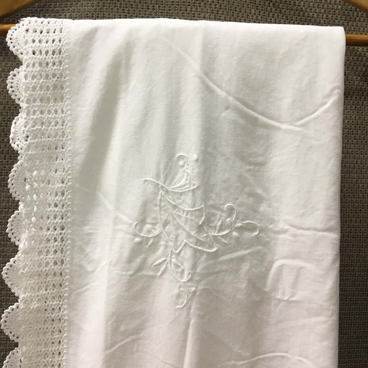 Table Cloth Rectangle Embroidered, White