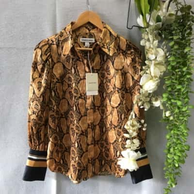 Reduced!! Country Road Womens Shirt Size 4 Long Sleeve  Black /Brown Snake Print RRP $ 159