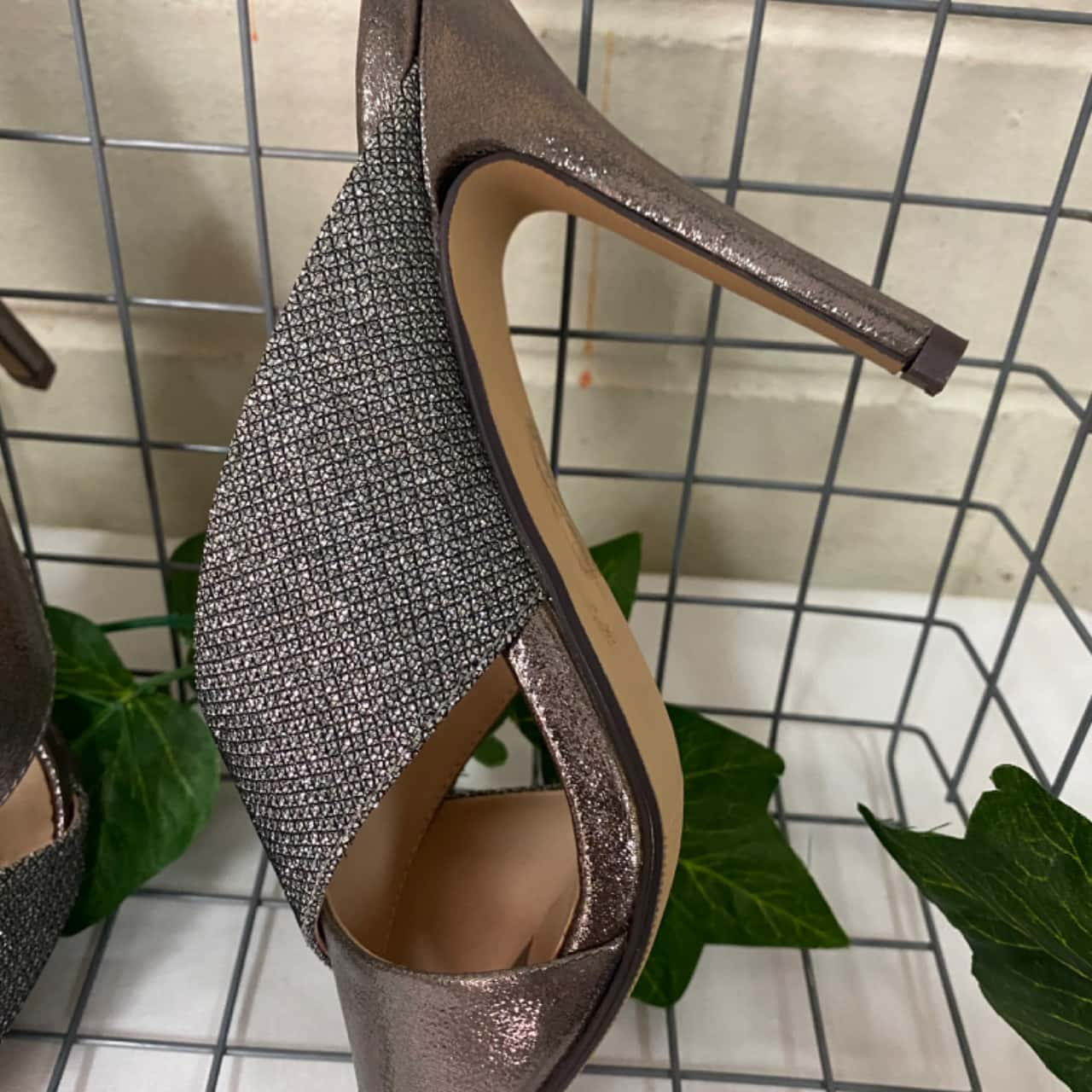 Glamour Womens Heels Size 9 Silver