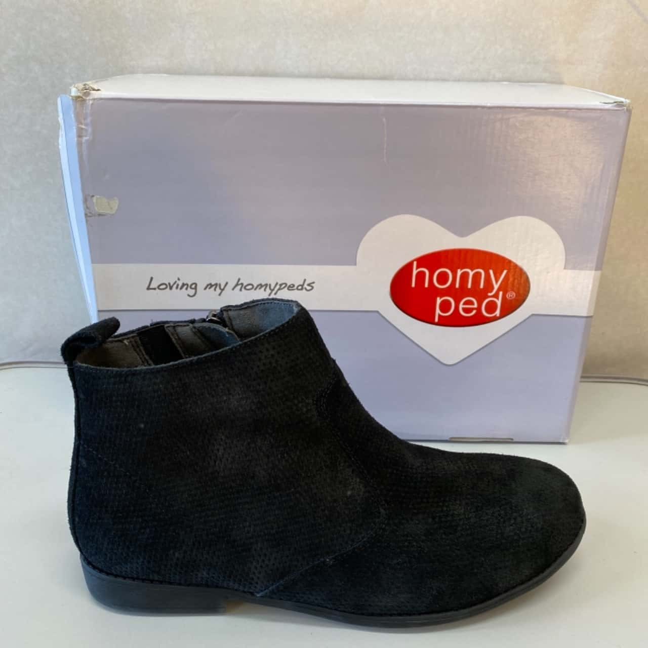 Womens Homy Ped Size 8 Black Suede Leather Ankle Boot  - New in Box