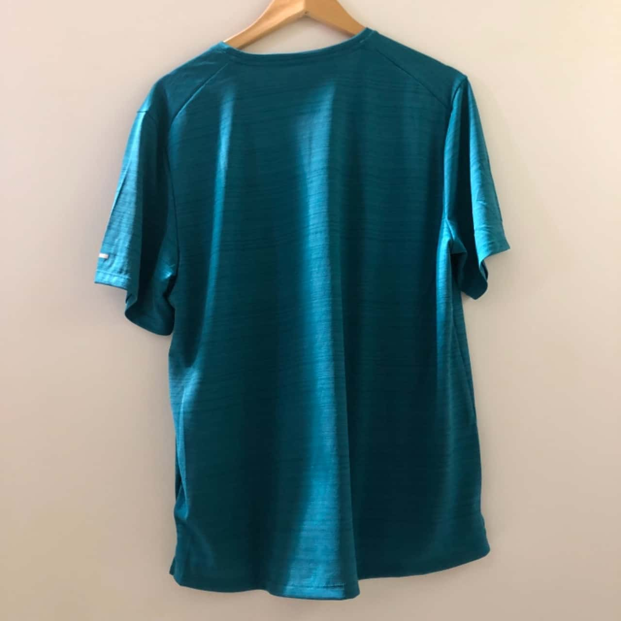 Nike Mens  Size L Short Sleeve Top Green