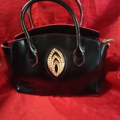 Small No Name Black Handbag With Red Trim