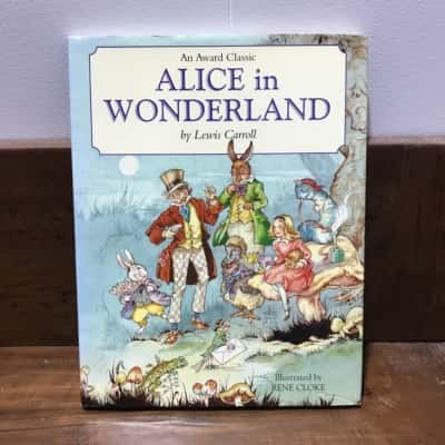Alice in Wonderland By Lewis Carroll, illustrated by Rene Cloke