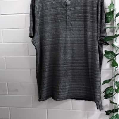 Michael Kors Mens  Size XXXL Grey/Striped TSHIRT