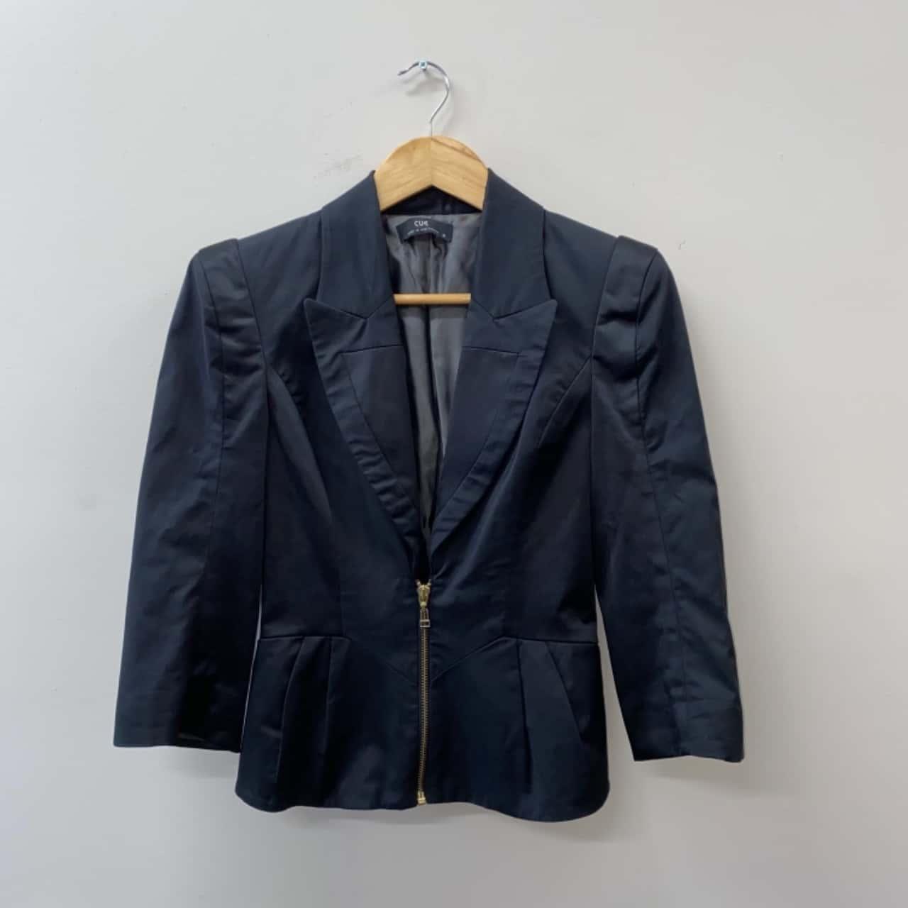 ** REDUCED ** Cue Women's Size 6 Black Jacket